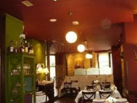 Interior del Restaurante_GO Rentacar